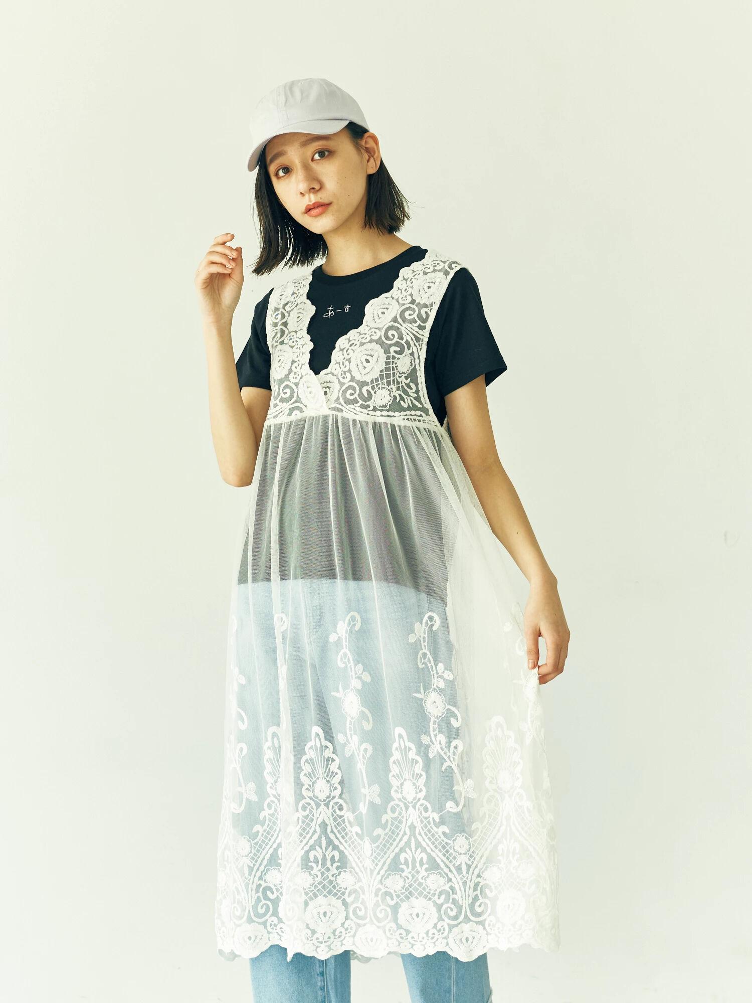 ・チュール刺繍ワンピース