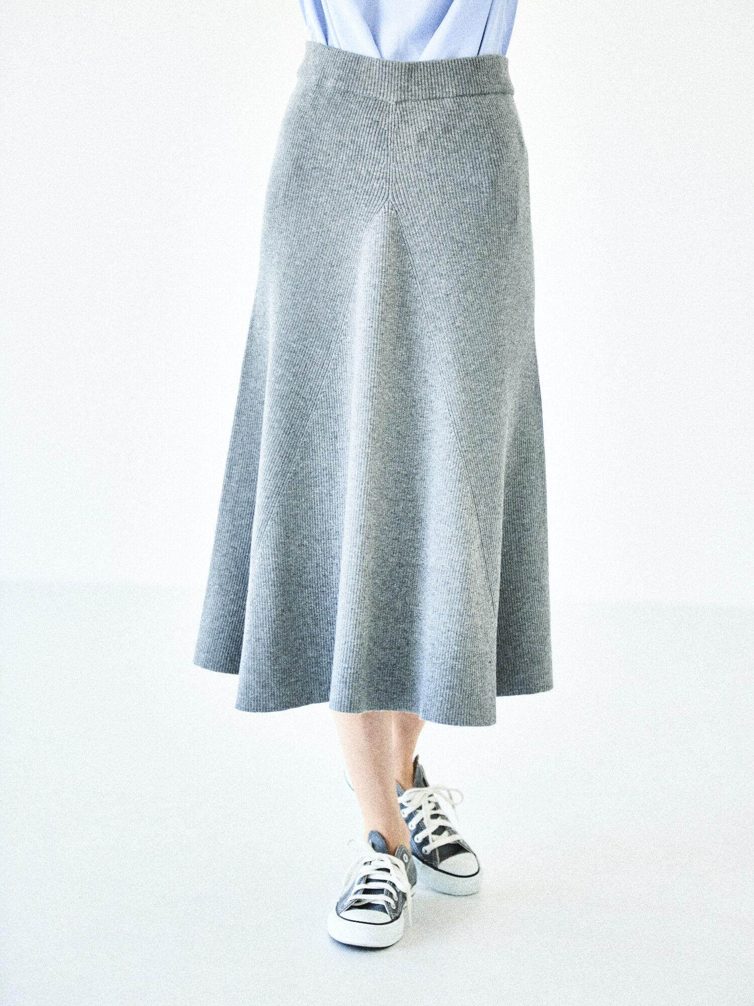 リブフレアーニットスカート